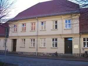 heute Rathaus 2 früher Ochsenschule